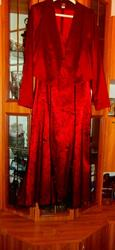 Продам Платье вечернее,  в пол. Производство РБ,  фабричное. Платье сарафан и короткий пиджак. 48 размер.
