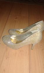Туфли модельные. Золотой люрекс.